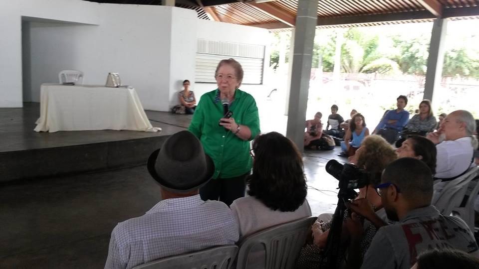 """Tânia Bacelar expõe o mal que ronda a financeirização da economia mundial e brasileira: """"Agora se pode ganhar bilhões com o dinheiro certo, no lugar certo, na hora certa. Sem gerar um único emprego""""."""