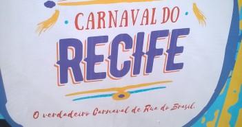 logomarca Prefeitura sobre o Carnaval