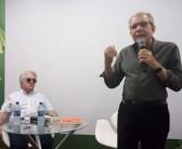 Homenageado deixa bienal durante discurso do ministro da Cultura