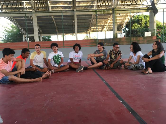 Estudantes gravam última cena do documentário, na quadra de volei da UFPE, com balanço das ocupações no Recife