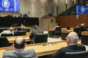 Sessão marcou a retomada das atividades legislativas na Alepe
