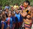 marica crianças conhecem os indios