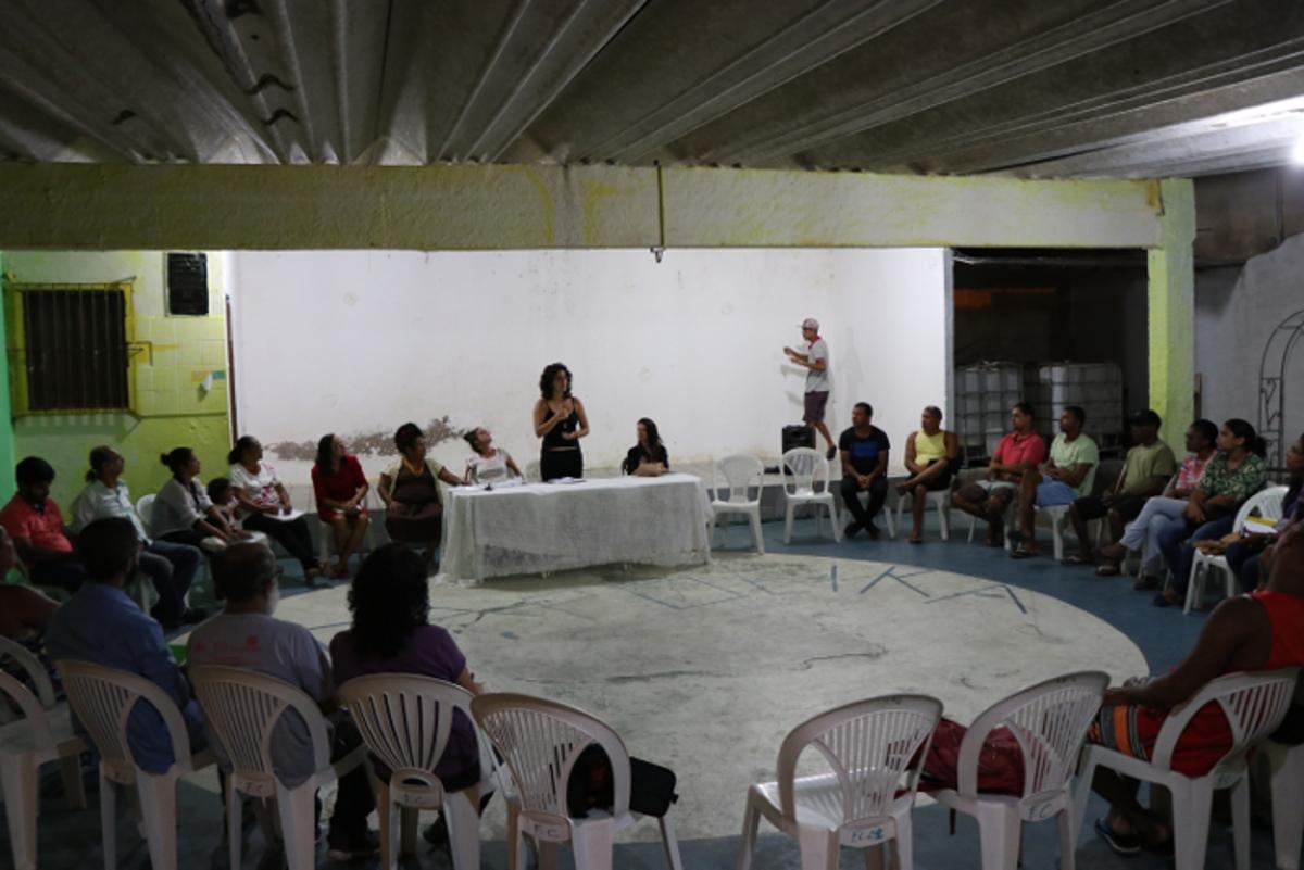 Reunião da missão na associação de moradores de Gaibu