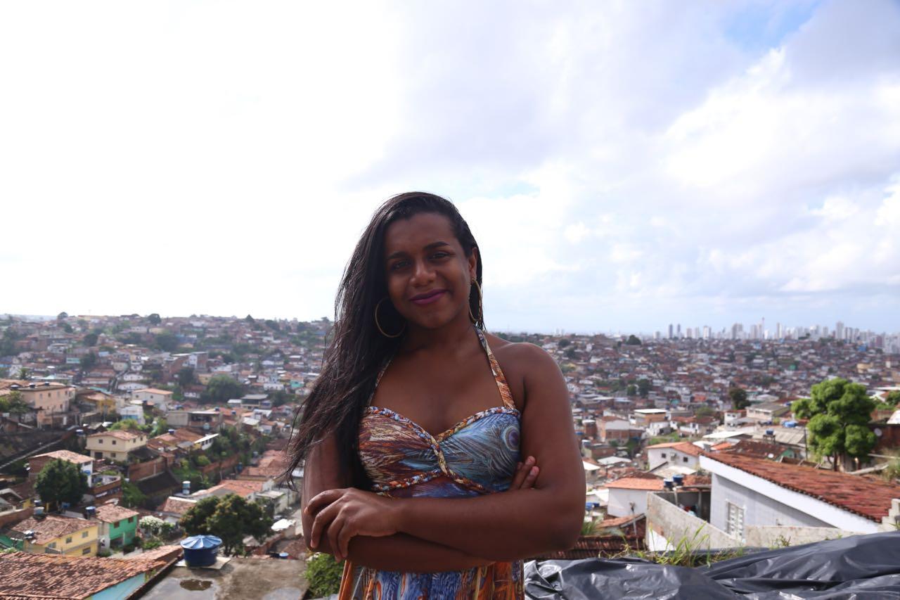 """""""Eu não me sinto representada pela política e decidi entrar para mudar isso"""", Robeyoncé Lima."""