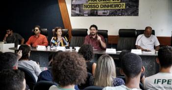 Foto: Beto Figuerôa