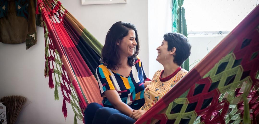 Paula (e) e Dilla (d) resolveram marcar o casamento quando as pesquisas começaram a mostrar Bolsonaro na liderança (foto: Inês Campelo/Marco Zero)