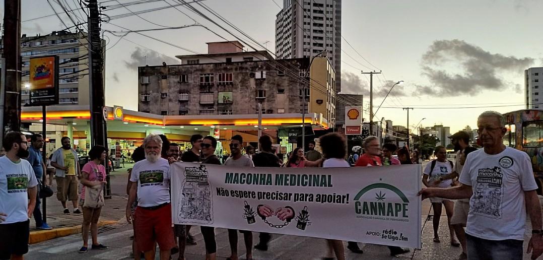 Canape na Marcha da Maconha - Débora Britto