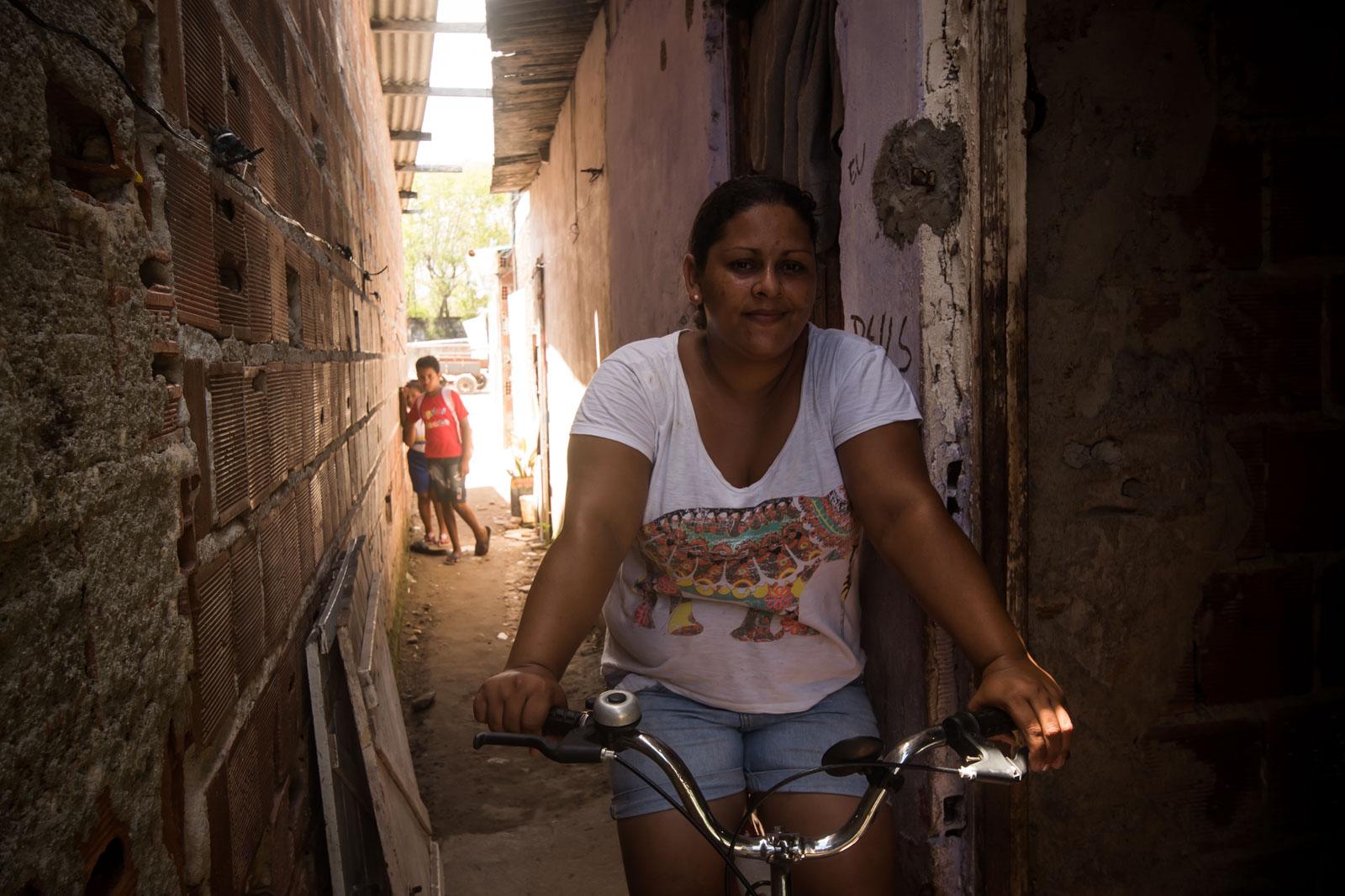 Daise fez parte da Ocupação Solange Souza, foi cadastrada e aguarda desde 2016 por uma solução (foto: Inês Campelo/Marco Zero Conteúdo)