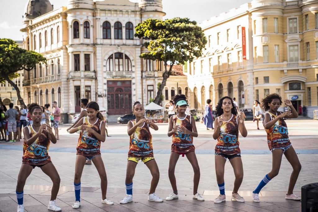 """Grupo de passinho """"As Caciques"""" realiza trabalho social através da dança"""