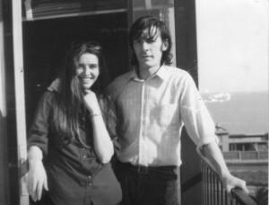 Soledad Barrett ao lado do compositor uruguaio Daniel Viglietti