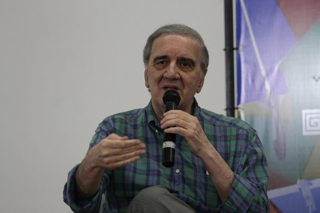 Professor Belluzo chama a atenção para o caráter estratégico dos bancos públicos (foto: Rodrigo Ramos)