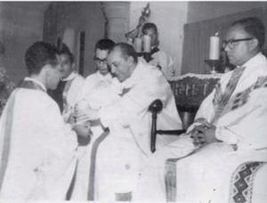 Ordenação de Antonio Henrique, na Igreja da Torre, pelo a Dom Helder Camara. Foto: Arquivo Comissão da Verdade