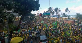 Ato pró-Bolsonaro na Av. Boa Viagem. Foto: MCS/MZ