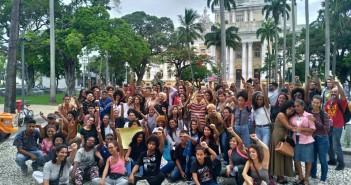 Amigos e familiares comemoram habeas corpus. Foto: MCS/MZ