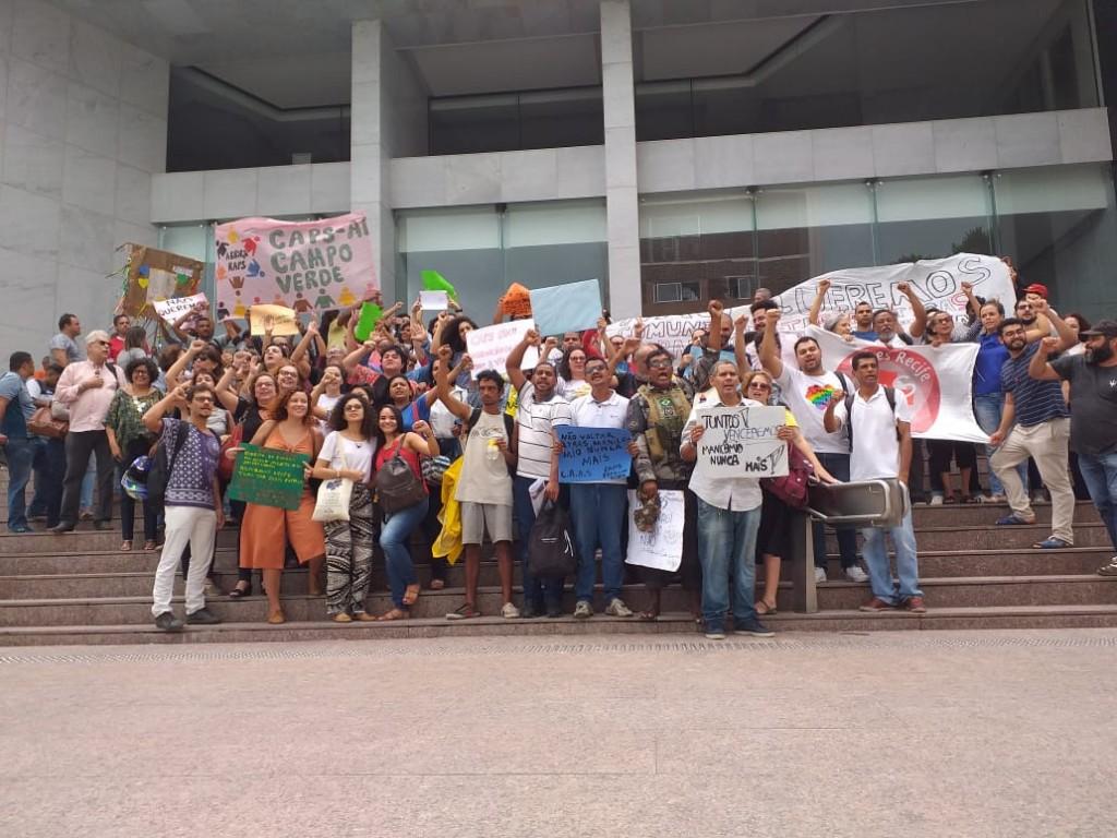 58 entidades protestam contra as Comunidades Terapêuticas na Alepe (crédito: Juntas/divulgação)