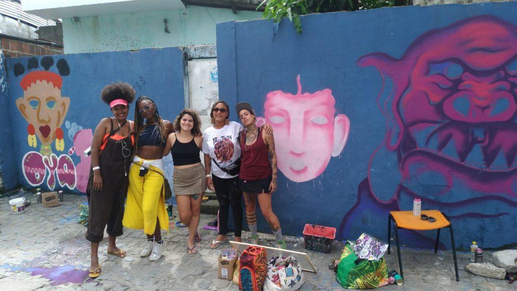 Parte do coletivo Pixe Girls (crédito: Raíssa Ebrahim/MZ Conteúdo)