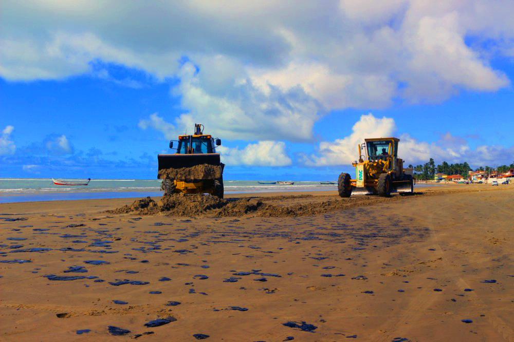 Limpeza da praia em Piaçabuçu (crédito: ascom prefeitura)