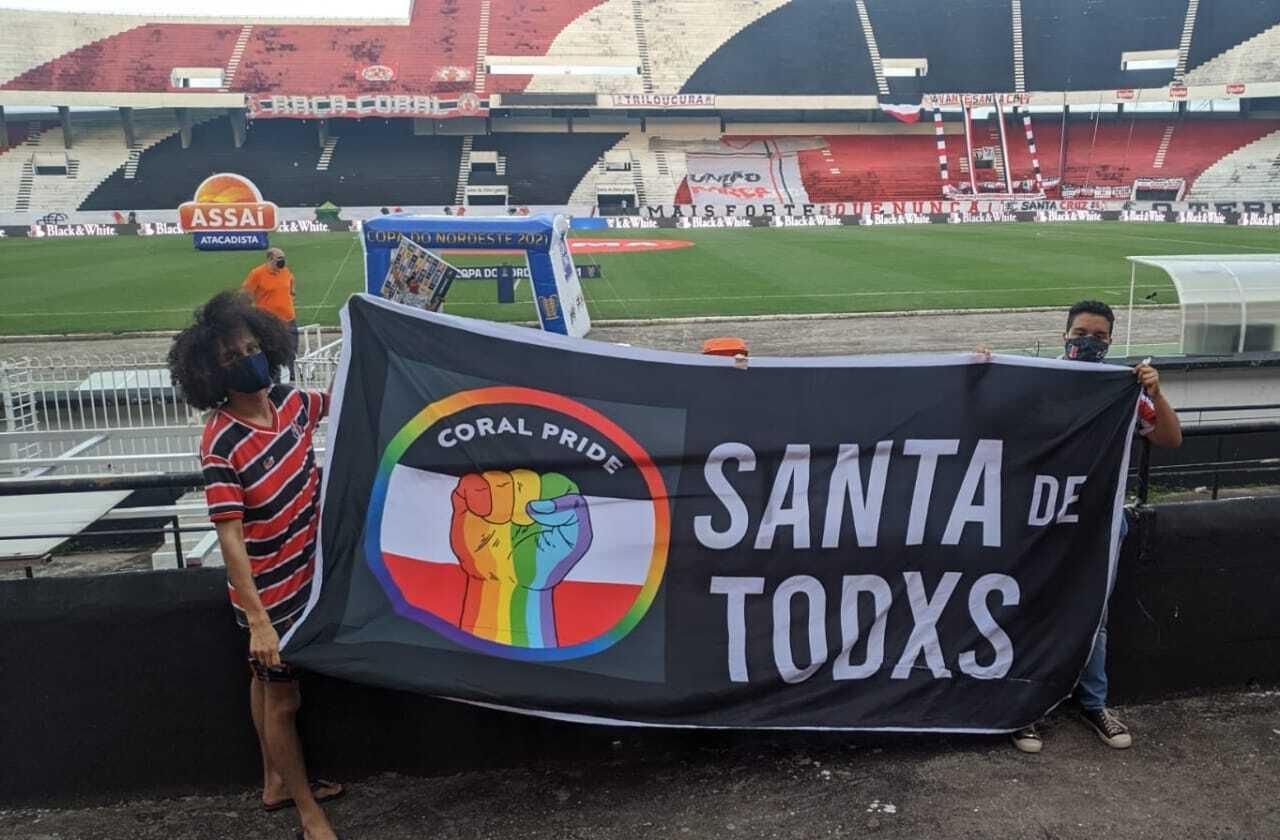 June Silva, 23 anos, torcedora do Santa Cruz