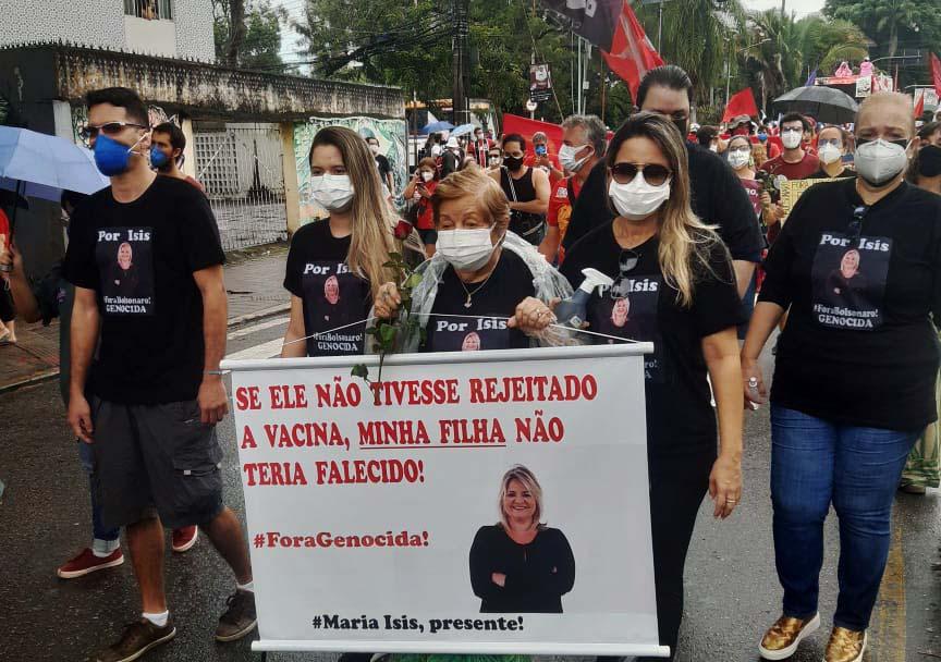 Eulália de 90 anos participa de 19J no Recife