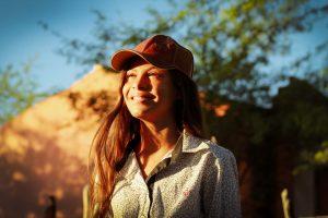 Lucivânia Aparecida Lopes Porfírio da Silva tem 12 anos e nasceu numa família de vaqueiros_