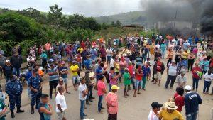 Agricultores protestam contra violência no campo