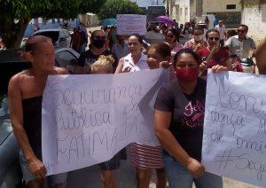 Protesto contra feminicídio em Fátima distrito de Flores