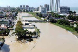 Vista de Olinda com alagamento provogado pelo Rio Fragoso
