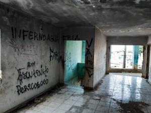 Casa no Córrego do Deodata que Deveria ser uma creche está abandonada (13)