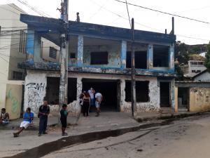 Casa no Córrego do Deodata que Deveria ser uma creche está abandonada (4)